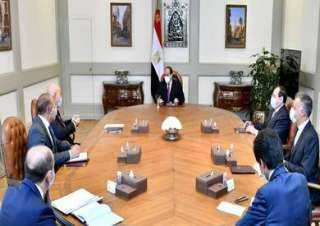 السيسي يبحث مع رئيس شركة إيني إعادة تشغيل محطة الغاز الطبيعي المسال بدمياط وانتاج الهيدروجين في مصر