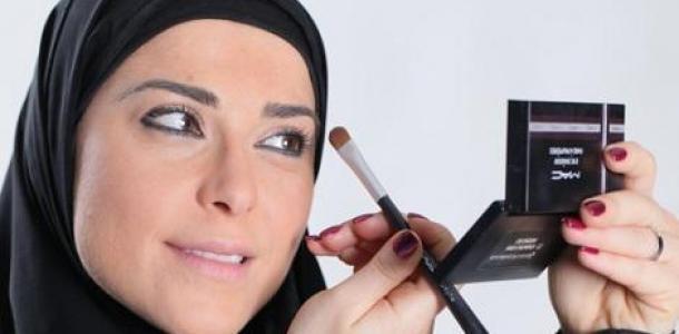 هل وضع كريم الوجه ومستحضرات التجميل يبطل الصيام؟
