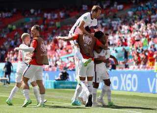 يورو 2020.. هدف سترلينج يمنح الأسود الثلاثة انتصارًا استثنائيًا