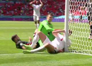 على طريقة إريكسن .. هاري كين يخلع قلوب متابعي مباراة إنجلترا وكرواتيا