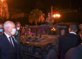 الرئيس التونسي يجتمع بكبار قادة الجيش والأمن