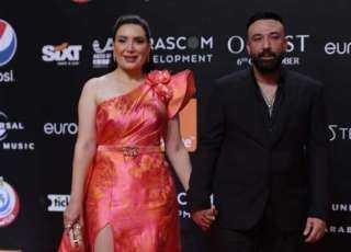 عبير صبري وزوجها أيمن البياع على ريد كاربت الجونة السينمائي